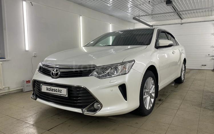Toyota Camry 2015 года за 10 200 000 тг. в Семей