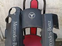 Декоративная крышка на 112 двигатель, на мерседес кузов 210 за 8 000 тг. в Алматы