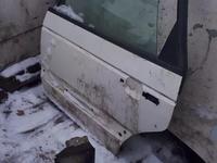 Дверь фольцваген пассат б 4 зад за 7 000 тг. в Костанай
