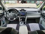 Toyota Camry 2012 года за 4 600 000 тг. в Актобе – фото 2