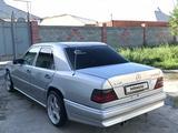 Mercedes-Benz E 280 1994 года за 2 000 000 тг. в Туркестан – фото 3