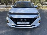 Hyundai Accent 2021 года за 7 999 555 тг. в Караганда – фото 2