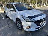 Hyundai Accent 2021 года за 7 999 555 тг. в Караганда – фото 3