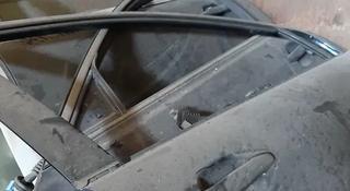 Задняя правая дверь rx330 за 70 000 тг. в Алматы