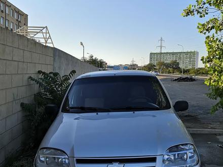 Chevrolet Niva 2008 года за 1 300 000 тг. в Актау – фото 2