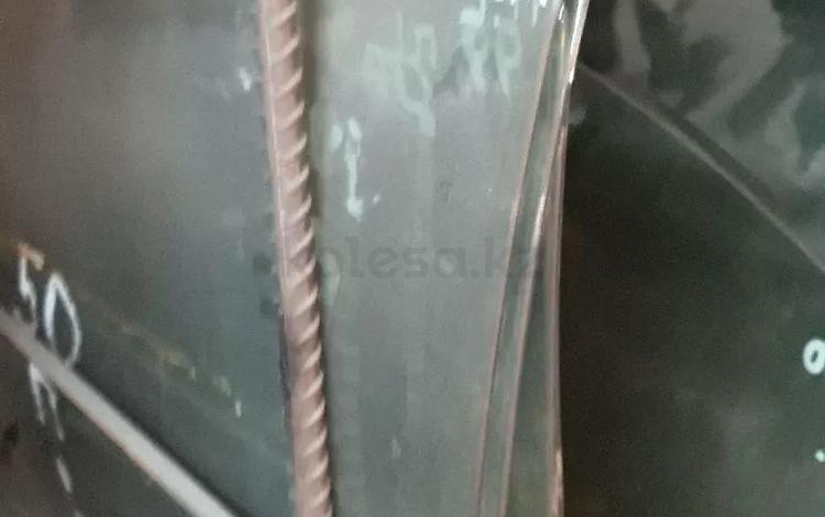 Стекло на дверь. Ниссан цефира за 5 000 тг. в Алматы