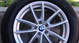 Шины и диски на BMW оригинал за 160 000 тг. в Костанай