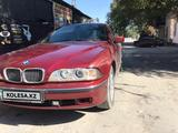 BMW 528 1997 года за 2 300 000 тг. в Шу – фото 2