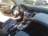 Chevrolet Cruze 2012 года за 4 000 000 тг. в Атырау – фото 2