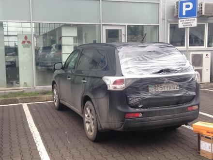 Задний бампер Mitsubishi Oulander за 75 000 тг. в Алматы