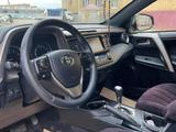 Toyota RAV 4 2018 года за 13 250 000 тг. в Актобе – фото 5