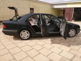 Mercedes-Benz E 260 2001 года за 4 000 000 тг. в Актау – фото 3