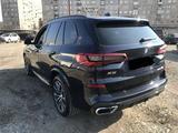 BMW X5 2020 года за 32 500 000 тг. в Алматы – фото 3