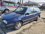 Volkswagen Golf 1995 года за 1 200 000 тг. в Алматы – фото 2