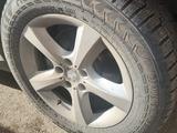 БМВ Х5 е70 5*120 R18 255*55 диски + зима шипы за 84 000 тг. в Нур-Султан (Астана)