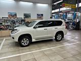 Toyota Land Cruiser Prado 2012 года за 13 570 000 тг. в Алматы – фото 4