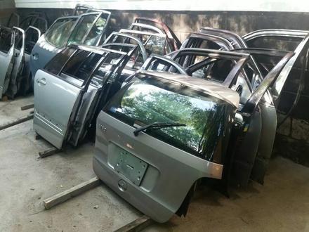 Двери на Mercedes Benz за 10 000 тг. в Алматы