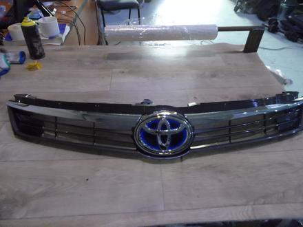Решетка радиатора Toyota Camry 55 за 100 тг. в Алматы