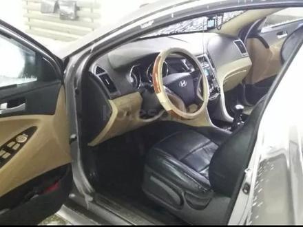 Hyundai Sonata 2010 года за 4 600 000 тг. в Актобе – фото 5