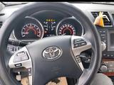 Toyota Highlander 2013 года за 13 300 000 тг. в Актау – фото 5