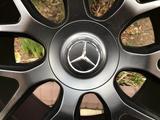 Оригинальные диски R22 AMG на Mercedes GLE, GLS Мерседес за 855 000 тг. в Алматы – фото 3