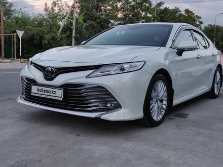 Toyota Camry 2019 года за 14 100 000 тг. в Шымкент – фото 2