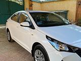 Hyundai Accent 2021 года за 7 990 000 тг. в Шымкент – фото 2