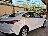 Hyundai Accent 2021 года за 7 990 000 тг. в Шымкент – фото 3