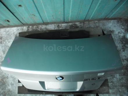 Крышка багажника BMW 5-series E39 за 15 000 тг. в Караганда – фото 2