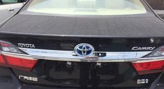 Крышка багажника Camry 50 за 100 тг. в Караганда