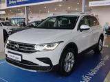 Volkswagen Tiguan Status 2.0 2021 года за 15 146 000 тг. в Караганда – фото 3