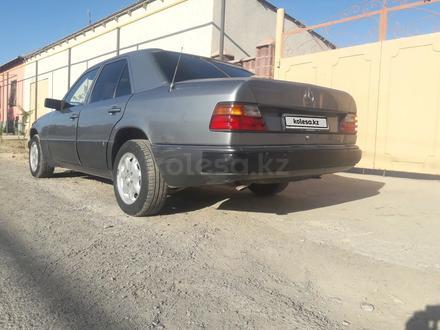 Mercedes-Benz E 200 1992 года за 1 500 000 тг. в Туркестан – фото 5