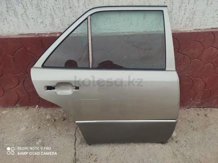 Дверь задняя правая за 15 000 тг. в Шамалган