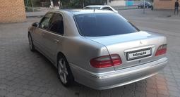 Mercedes-Benz E 200 2001 года за 2 100 000 тг. в Семей – фото 2