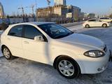 Chevrolet Lacetti 2012 года за 3 550 000 тг. в Нур-Султан (Астана) – фото 2