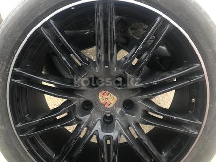 Оригинальные диски от Porsche Cayenne за 600 000 тг. в Алматы – фото 2
