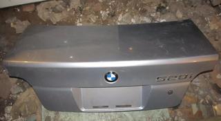 Крышка багажника bmw e39 за 10 000 тг. в Усть-Каменогорск