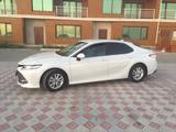 Toyota Camry 2018 года за 12 000 000 тг. в Актау – фото 2