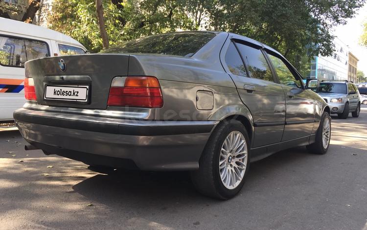 BMW 318 1993 года за 1 050 000 тг. в Алматы