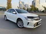 Toyota Camry 2015 года за 11 350 000 тг. в Алматы – фото 2