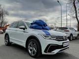 Volkswagen Tiguan R-Line 2.0 2021 года за 17 330 000 тг. в Шымкент – фото 2