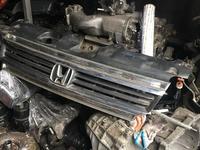 Решётка радиатора на Honda Stepwgn (2001-2005) за 20 000 тг. в Алматы