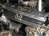 Решётка радиатора на Honda Stepwgn (2001-2005) за 20 000 тг. в Алматы – фото 2
