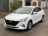 Hyundai Accent 2021 года за 7 800 000 тг. в Караганда – фото 2