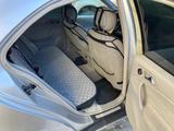 Mercedes-Benz C 200 2002 года за 2 800 000 тг. в Актау – фото 2