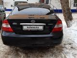 Toyota Camry 2003 года за 3 100 000 тг. в Уральск – фото 2