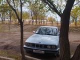 BMW 520 1991 года за 1 300 000 тг. в Караганда – фото 2