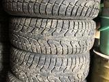 Зимние шины на кроссовер r18 за 50 000 тг. в Рудный