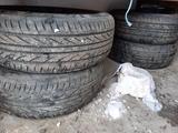 Диск с шиной за 100 000 тг. в Семей – фото 3