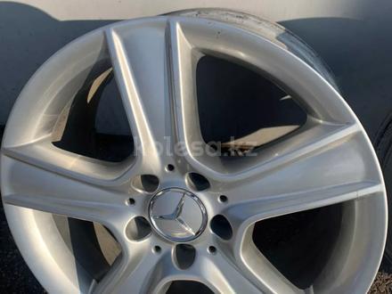 Диски на Mercedes r17 оригинал за 160 000 тг. в Алматы – фото 8
